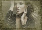 Portrait de grunge de belle jeune femme de style rétro. — Photo