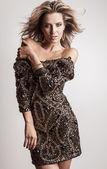 Mode Foto des jungen blonden Frau im Luxus-dress. — Stockfoto