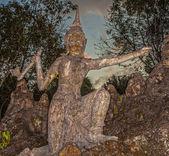 Oude stenen beeldhouwwerk in thailand — Stockfoto