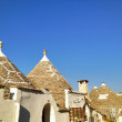 Typical trulli houses with conical roof in Alberobello, Italy — Stock Photo