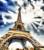 Clouds and Sky Colors above Eiffel Tower — 图库照片
