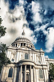 St Paul's cathedral in London and sky with clouds — Stock Photo