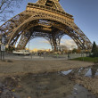 Winter colors of Eiffel Tower and Champs de Mars in Morning — Stockfoto #13701363