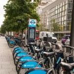 LONDON, ENGLAND - SEP 27: Detail of London's bicycle rent dockin — Stock Photo