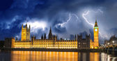 Storm over Big Ben and House of Parliament - London — Stock Photo