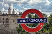 LONDON - SEP 27: Underground tube station sign in London on Sept — ストック写真