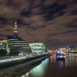 London Cityscape, including City Hall and River Thames at Night, — Stock Photo