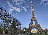 Eiffel Tower and Champ de Mars in Paris, France. Famous landmark — Stock Photo
