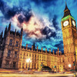Big Ben and House of Parliament at dusk from Westminster Bridge — Stock Photo #14714377