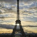 la tour eiffel - hiver lever de soleil à paris à la tour eiffel — Photo #15030969