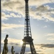 Постер, плакат: La Tour Eiffel Winter sunrise in Paris at Eiffel Tower