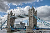 Famous Tower Bridge in the sunny autumn morning, London, England — Stock Photo