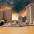 Skycrapers of New Orleans with Mississippi River, Louisiana — Stock Photo
