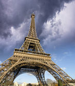 Front view of Eiffel Tower from Champ de Mars — Stock Photo