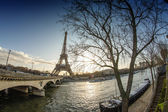 Sunrise in Paris, with the Eiffel Tower - Tour Eiffel from Troca — Stock Photo