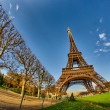 La Tour Eiffel - Beautiful winter day in Paris, Eiffel Tower — Stock Photo