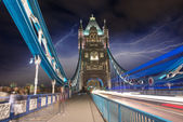 Tower Bridge at Night with car light trails - London — Stockfoto