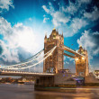 Beautiful sunset colors over famous Tower Bridge in London — Stock Photo