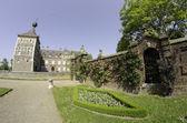 Eijsden castillo y su vegetación en mayo — Foto de Stock