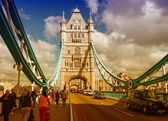 Beautiful wideangle view of Tower Bridge Powerful Structure Deta — Stock Photo