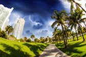 Walkway in a the beautiful park South Pointe in Miami Beach, U.S — Stock Photo