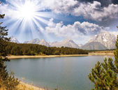 Wonderful landscape of Grand Teton Lake and Mountains - Wyoming — Stock Photo