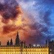 Big Ben and House of Parliament at River Thames — Stock Photo #18150077