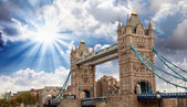 Power and Magnificence of Tower Bridge Structure — Stock Photo