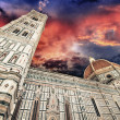 Beautiful sky colors over Cathedral Church. Duomo, Basilica di S — Stock Photo #18277829