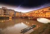 Wonderful sunset colors in Florence with Arno River and Ponte Ve — Stock Photo