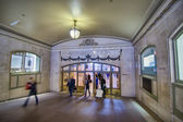 NEW YORK, FEB 20: Commuters and tourists in the grand central st — Stock Photo