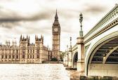 Il big ben, la casa del parlamento e il ponte di westminster — Foto Stock