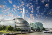 New London city hall with Thames river and cloudy sky, panoramic — Stock Photo