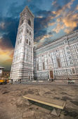 Beautiful view of Campanile in Florence at sunset - Piazza del D — Stock Photo