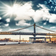 amazing sky colors above manhattan bridge - new york city — Stock Photo