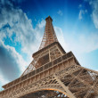 Wonderful sky colors above Eiffel Tower. La Tour Eiffel in Paris — Stock Photo #21321303