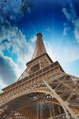 Wonderful sky colors above Eiffel Tower. La Tour Eiffel in Paris — Stock Photo