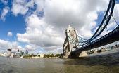 Poderosa estrutura da ponte da torre de londres — Foto Stock