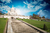 Wonderful view of Sacred Heart Cathedral and Steep Stairs - Pari — Stock Photo