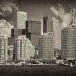 Toronto. Beautiful view of city skyline from Lake Ontario — Lizenzfreies Foto