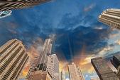 New York City. Wonderful upward view of Manhattan Skycrapers — Stock Photo