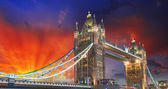 London, The Tower Bridge lights show at sunset — Stock Photo