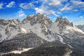 Dolomites, Italy. Beautiful scenario with Snow-Covered Mountains — Stock Photo