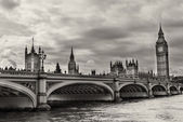 London. Wonderful view of Westminster bridge with Big Ben — Stock Photo