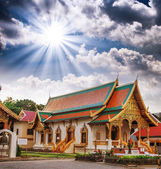Gorgeous view of Thailand Temple with dramatic sky — Стоковое фото