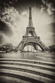 Paris. Eiffel Tower with Stairs to Seine River. Black and White — Stock Photo