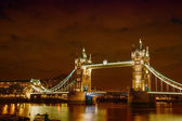 Lights and Colors of Tower Bridge at Night - London — Stock Photo