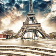 Paris. Gorgeous wideangle view of Eiffel Tower with Stairs  — Stock Photo