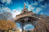 Beautiful colors of Eiffel Tower and Paris Sky — Stock Photo