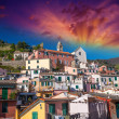 Quaint Village of Vernazza, Cinque Terre. Beautiful colorful hom — ストック写真